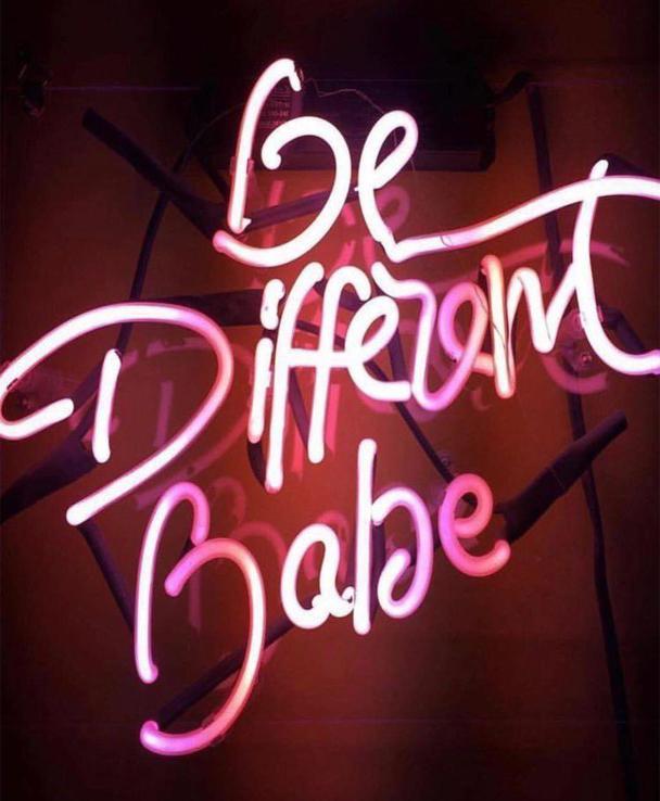 be different Babe, scilla e cariddi bags