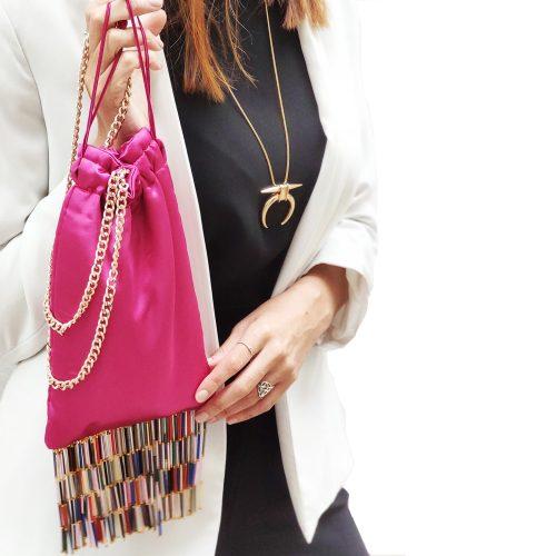 bolso-fiesta-rosa-flecos-cristal-scilla e cariddi